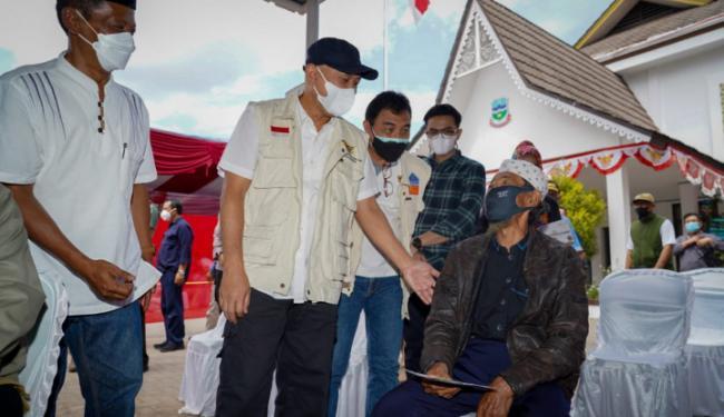 Menkop-UKM Gencarkan Vaksinasi di Kabupaten Garut Melalui Kolaborasi LPDB-KUMKM dan Koperasi